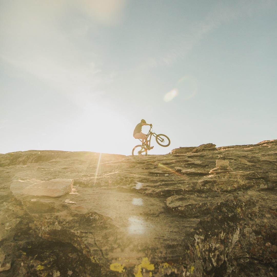 Entdecken Sie Fuerteventura mit dem Fahrrad. Es gibt in den meisten Orten inzwischen Fahrradvermietungen. Falls Sie einen Ausflug in die Natur unternehmen wollen, können Sie auch geführte Touren mitmachen.