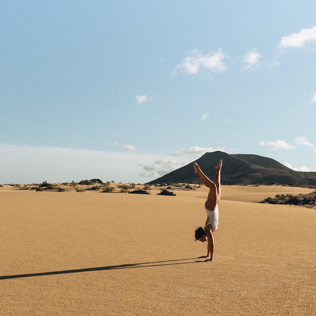 Die weißen Wanderdünen von Corralejo im Norden Fuerteventuras gehören zu den schönesten Sehenswürdigkeiten auf Fuerteventura.