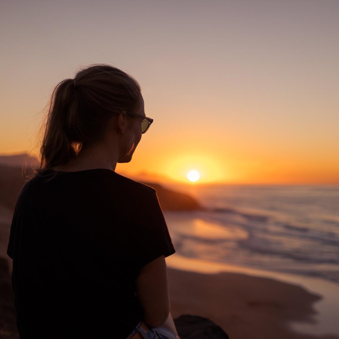 Fuerteventura bietet 300 Tage Sonne pro Jahr, mit 35 Grad im Sommer und 20 Grad im Winter. Unser Reisetipp für die beste Reisezeit für einen Fuerteventura Urlaub ist Oktober.