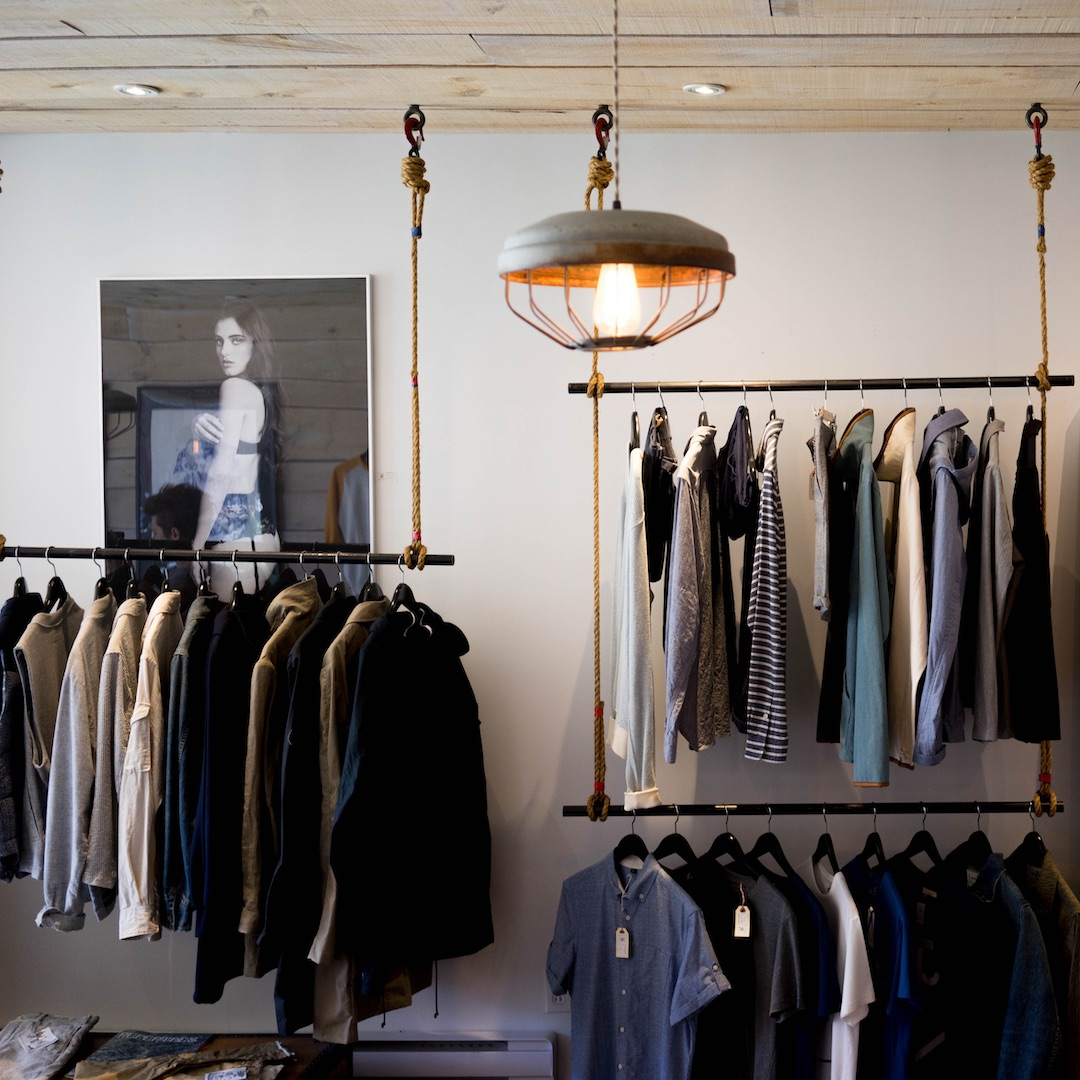 Teneriffa lockt wie alle Kanarischen Inseln mit niedrigen Steuersätzen zum Shoppen und Einkaufen. Gerade die Hauptstadt bietet hervorragende Einkaufsmöglichkeiten.