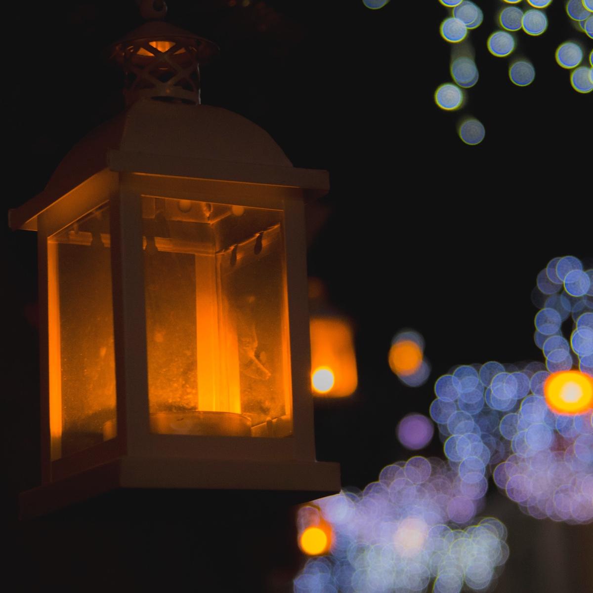 Teneriffa bietet mit seinem milden Wetter im Dezember den perfekten Ort für ein entspanntes Weihnachten. Zwar fällt dann eine weiße Weihnacht flach, aber Kanarenurlauber freuen sich auf Temperaturen um die 20°C.