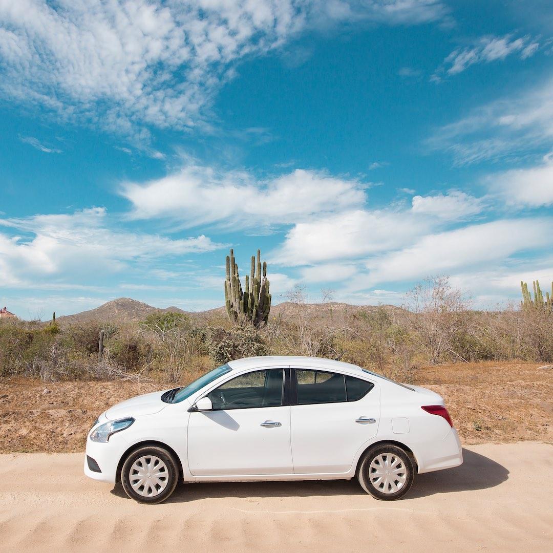 Mietwagen auf Fuerteventura sind günstig und in einem guten Zustand. Der deutsche oder europäische Führerschein, eine gültige Kreditkarte genügen. Bitte beachten Sie, dass Sie für Buchung und Abholung die gleiche Kreditkarte nutzen. Hier erfahren Sie mehr über Autovermietungen auf Fuerteventura.