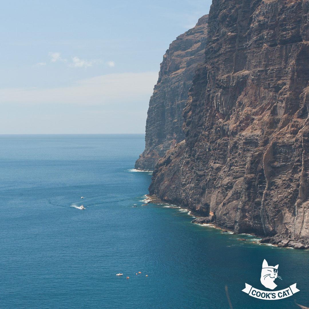 Die Klippen von Los Gigantes sind mit 480 Metern die höchste Steilküste Europas. Los Gigantes heißt in der deutschen Sprache die Klippen der Riesen.
